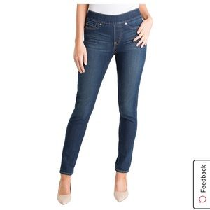 Levi Strauss Totally Shaping Pull On Skinny Jeans